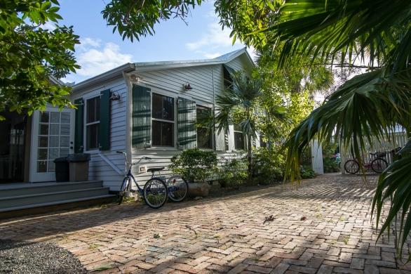 Cottages, Exterior2, Photo ©Johnny White mileZERO