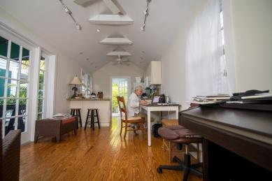 Cottages, Interior-Bill Jacklin, Photo ©Johnny White mileZERO
