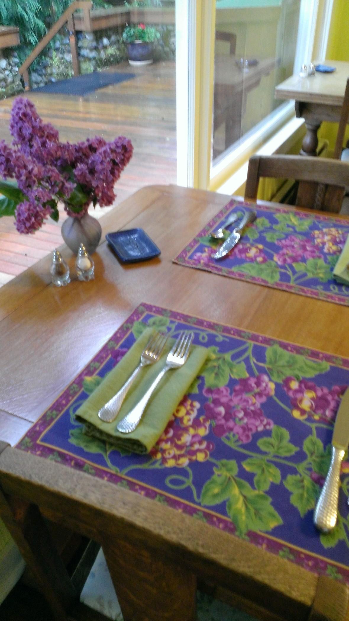 Breakfast Room Table 20140523