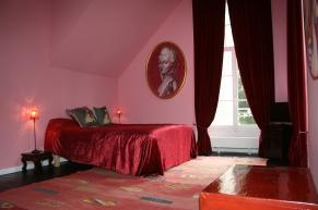 Artist-Residency-Centre-Pompadour-chambre-rose-it
