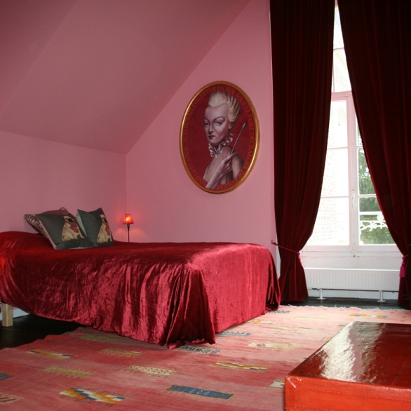 Artist-Residency-Centre-Pompadour-chambre-rose-it